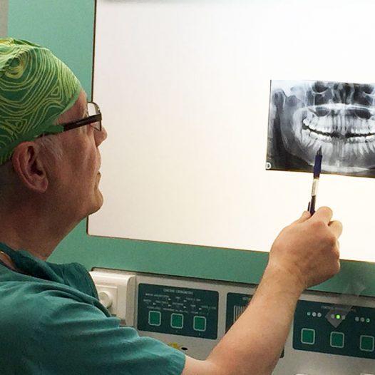 Máster en Implantología Bucofacial
